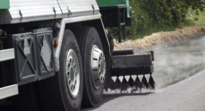 Vrachtwagen machine close up asfalt