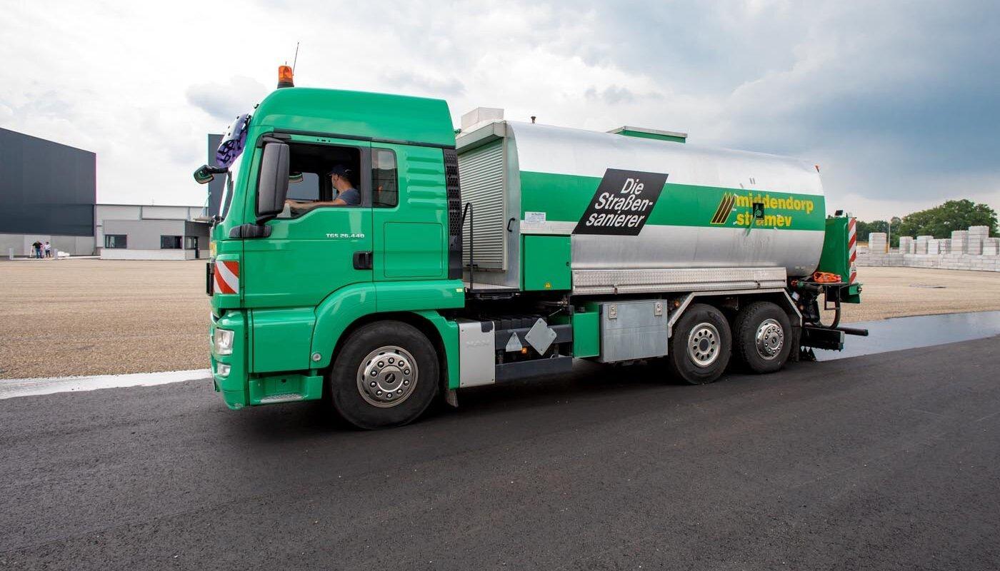 Vrachtwagen middendorp
